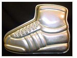 running shoe cake pan